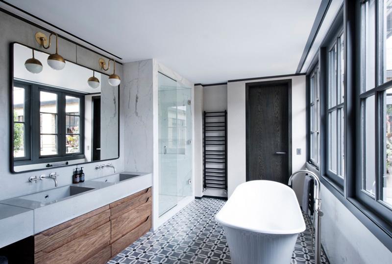 Une salle de bains en carreaux de ciment – Entreprise ...